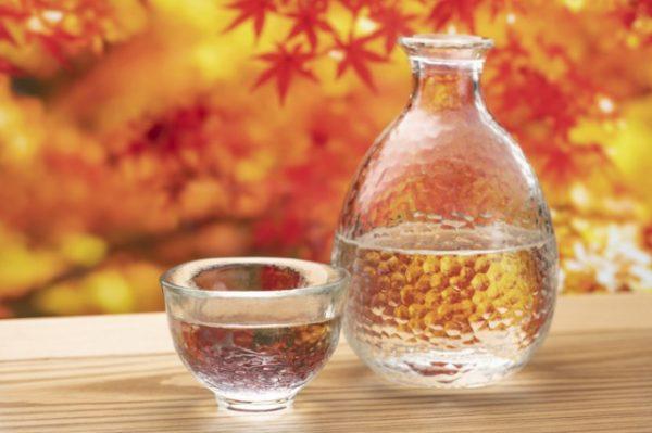 秋の日本酒、「ひやおろし」と「秋上がり」の違いを解説します。